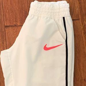 Nike Dri-Fit Capri, Size L
